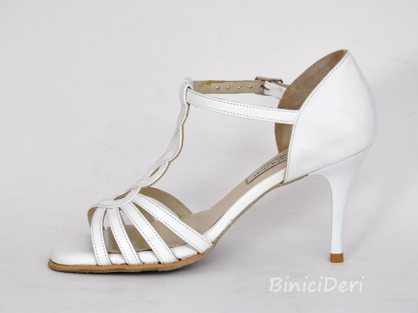 Bridal shoe - White tango daisy - Click Image to Close