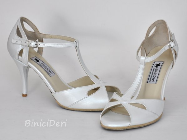 Bridal shoe - White tango butterfly - Click Image to Close